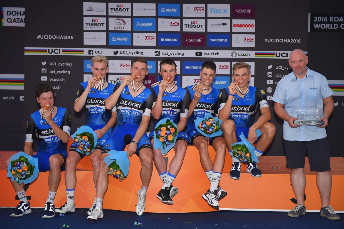 Cycling: 89th Road World Championships 2016 / TTT Men Elite Podium / Team ETIXX - QUICK STEP (BEL) / Bob JUNGELS  (LUX) / Marcel KITTEL (GER) / Yves LAMPAERT (BEL) / Tony MARTIN (GER) / Niki TERPSTRA (NED) / Julien VERMOTE (BEL) Gold Medal / Gold Medal / Celebration /  Lusail Sports Complex - The Pearl Qatar (40km)/ Team Time Trial / WC / © Tim De Waele
