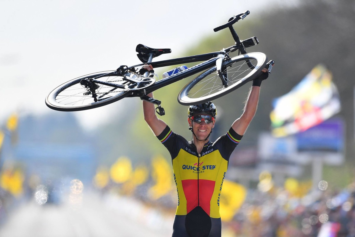 "Philippe Gilbert takes a monumental victory of the ""Ronde van Vlaanderen"""